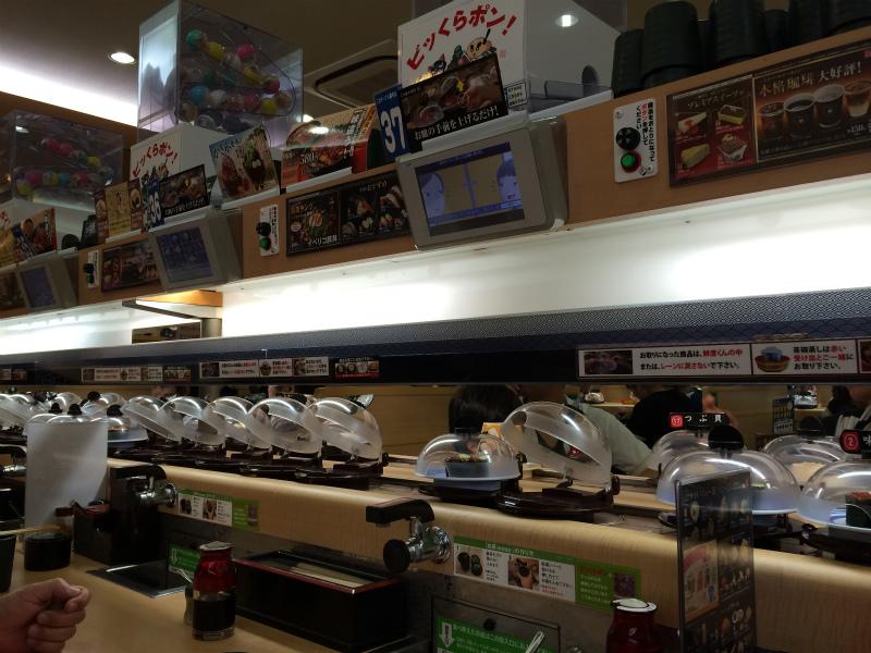 食の仕組み化がもはやエンターテイメントの領域に達している『くら寿司』